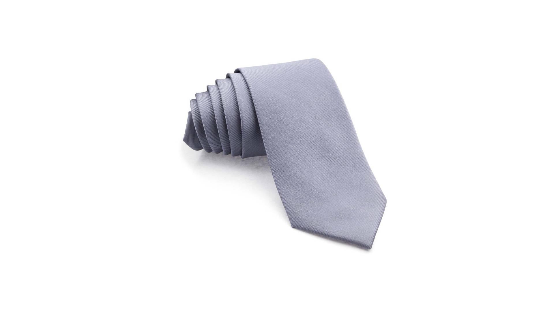 Combinaciones para vestir con corbata gris