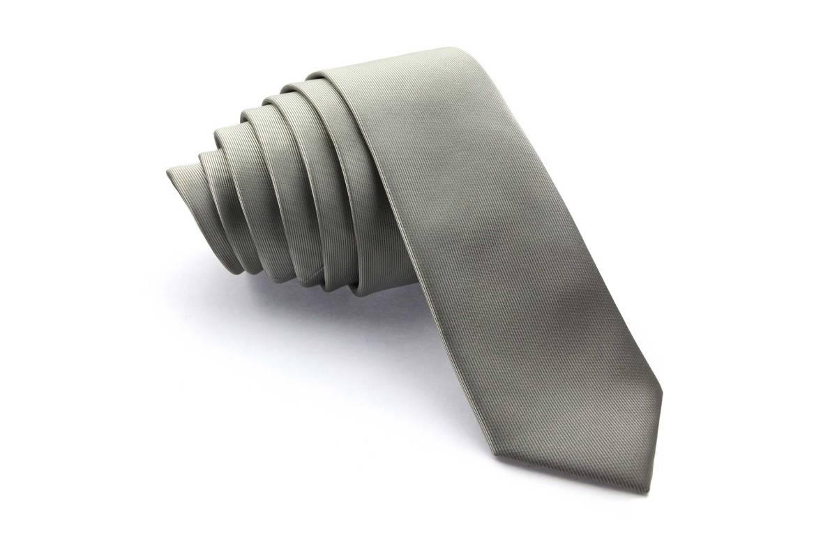 Corbatas estrechas