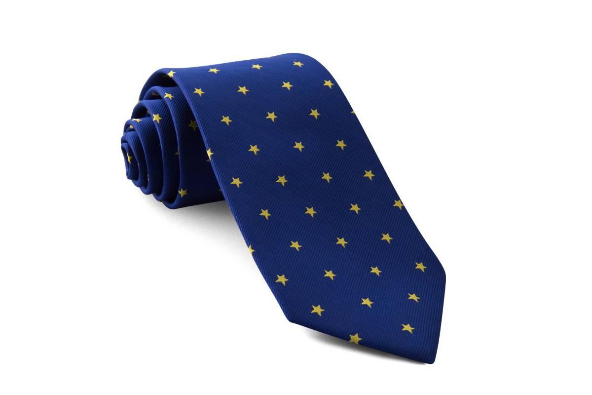 Tus mejores looks con corbatas originales