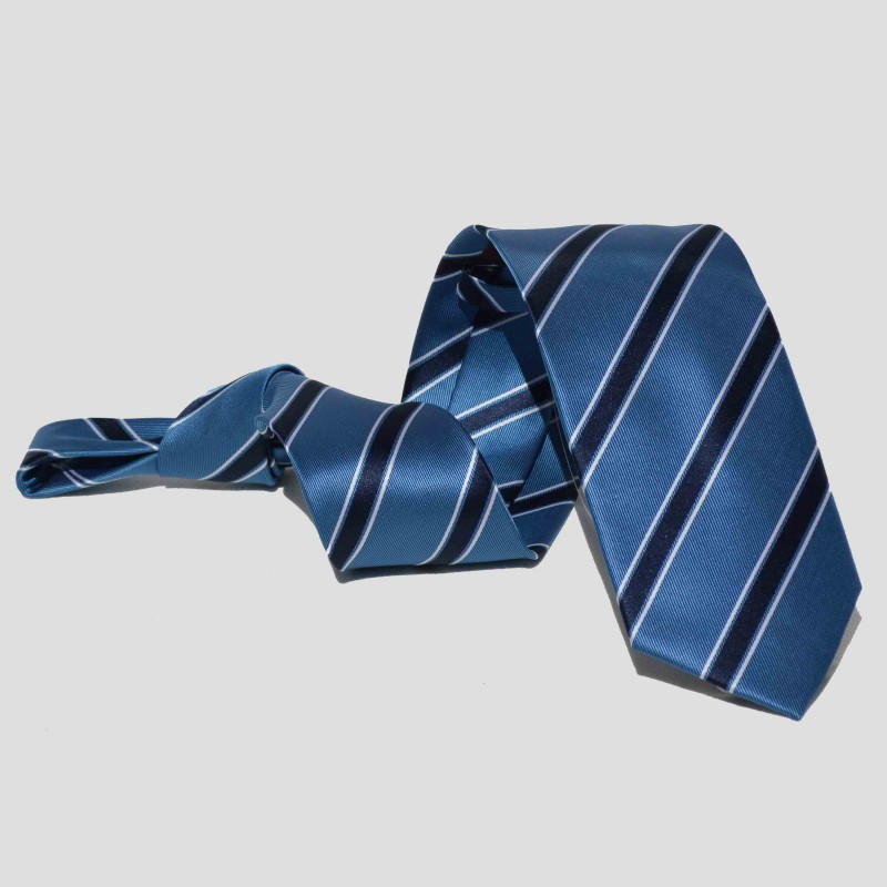 Corbata Celeste Rayas Azules y Blancas