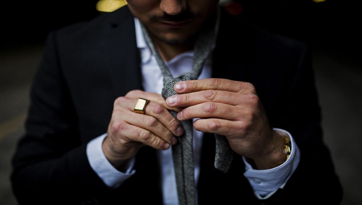 Como hacer nudo de corbata